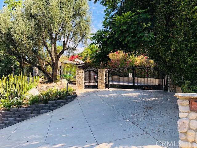 Details for 1671 La Loma Drive, Santa Ana, CA 92705