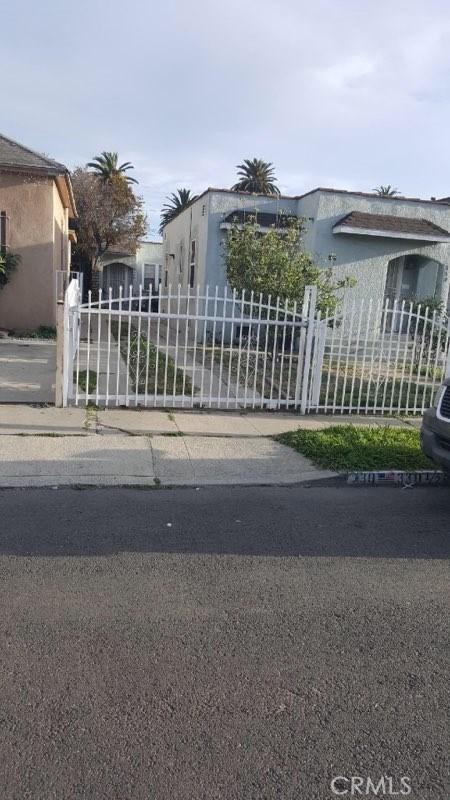 330 W 80th Street, Los Angeles, CA 90003