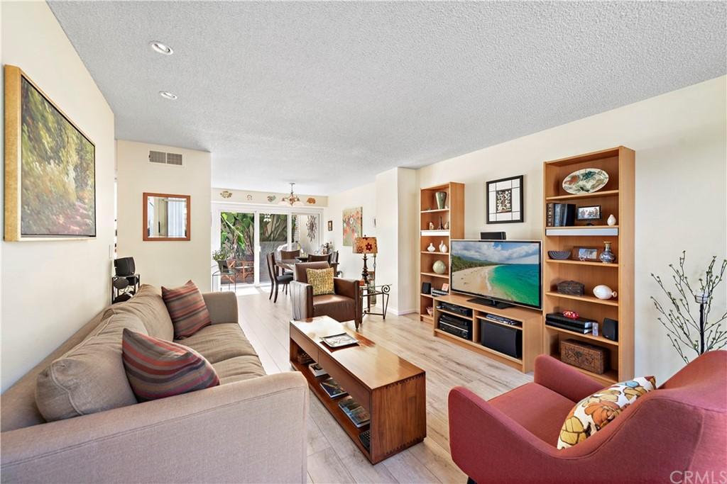 Photo of 2203 Vista Huerta, Newport Beach, CA 92660