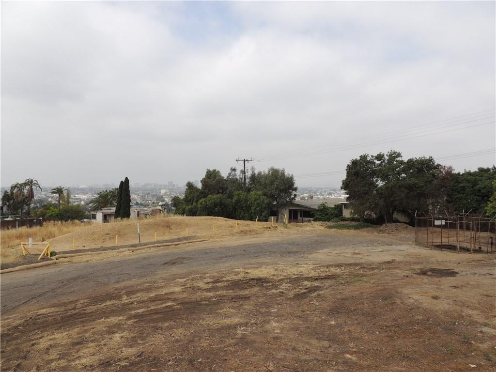 2051 N MOLINO Avenue, Signal Hill, CA 90755