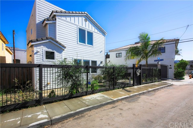108 N Loreta, Long Beach, CA 90803