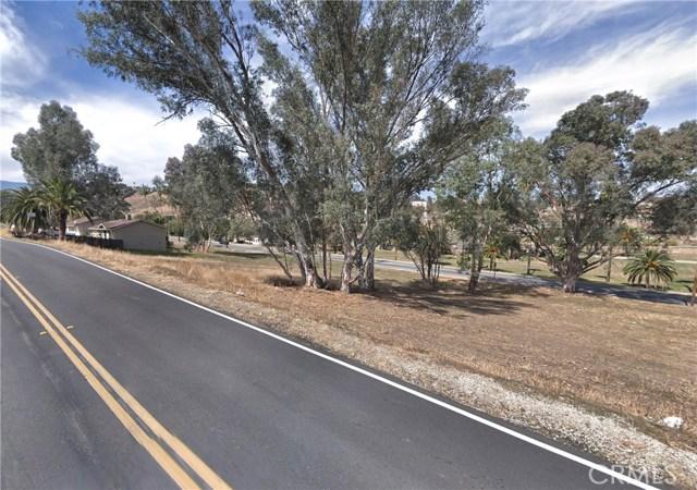 239 Riverside Drive, Lake Elsinore, CA 92530