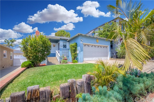 621 24th Street, Hermosa Beach, California 90254, 3 Bedrooms Bedrooms, ,1 BathroomBathrooms,For Sale,24th,SB20156727