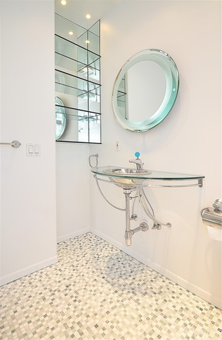 Upstairs bath in fourth bedroom