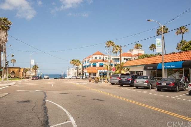 Ave I looking toward the beach in the Riviera Village