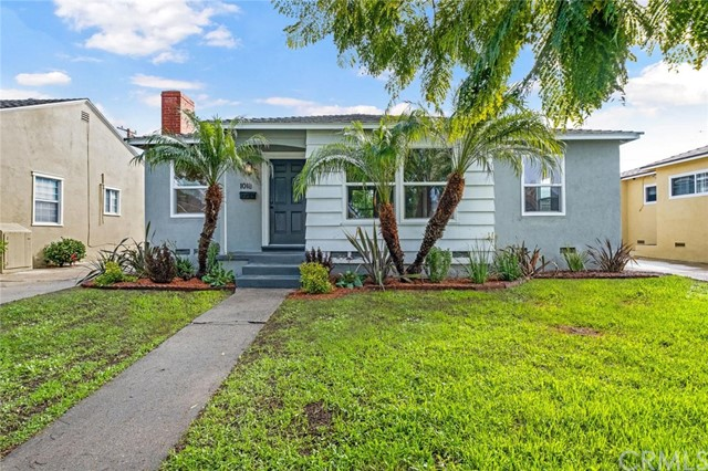 1018 E Ridgewood Street, Long Beach, CA 90807