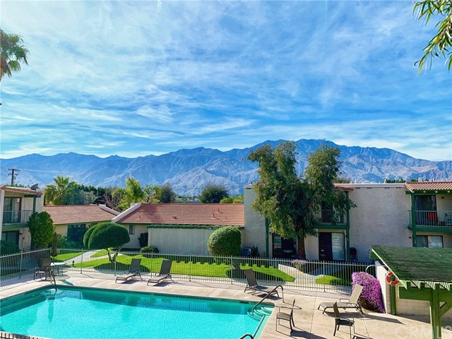 20 Lakeview Circle, Cathedral City, CA 92234