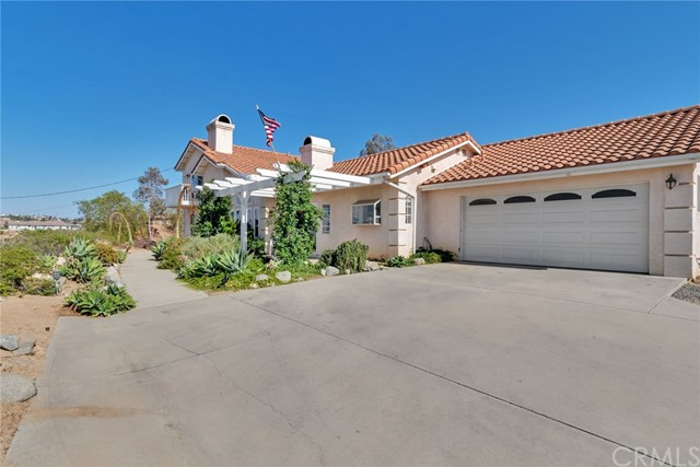 15325 Multiview Drive, Perris, CA 92570