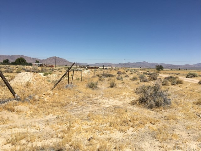 33459 Rabbit Springs Rd, Lucerne Valley, CA 92356 Photo 4