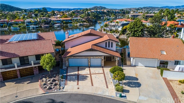 30197 Cove View Street, Canyon Lake, CA 92587
