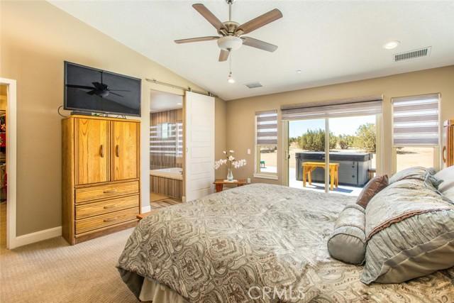 9879 Silver Palm Dr, Oak Hills, CA 92344 Photo 27