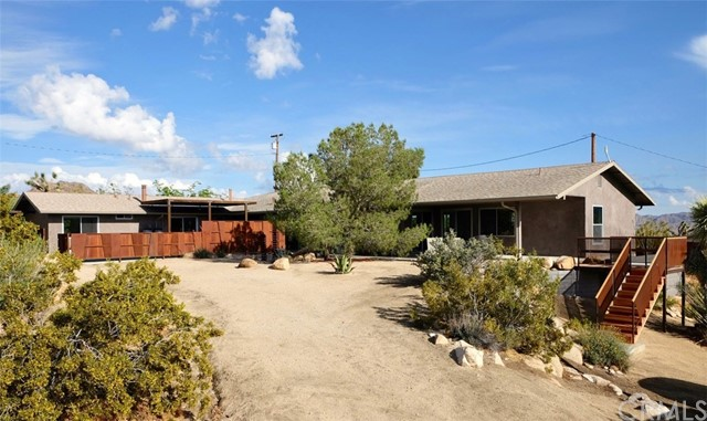 8283 Via Rocosa Road, Joshua Tree, CA 92252