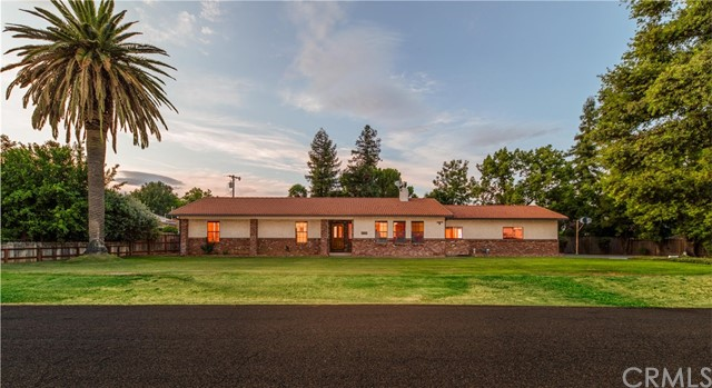 508 Round Up Avenue, Red Bluff, CA 96080