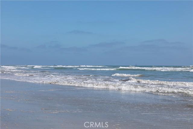 39. 26 A Surfside Surfside, CA 90743