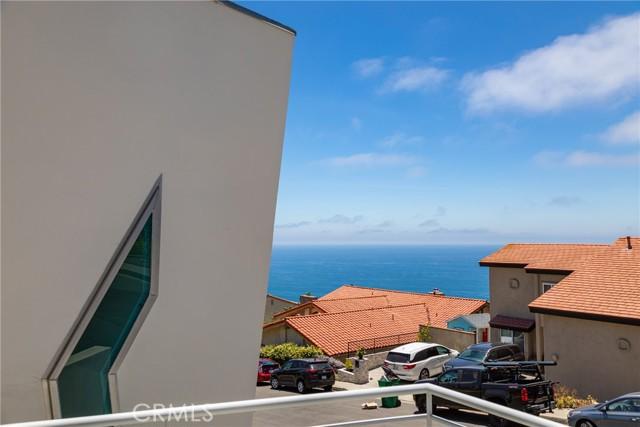 43. 600 LORETTA Drive Laguna Beach, CA 92651