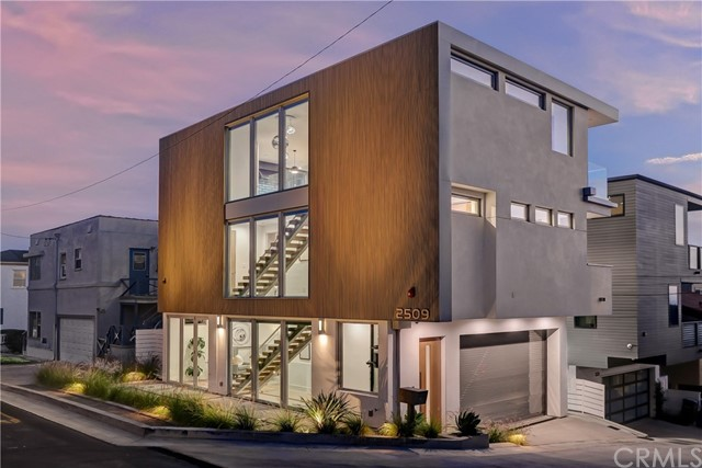Brand new ocean-view masterpiece from local builder, Fluent Homes