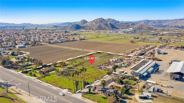 1421 N Sanderson Avenue, Hemet, CA 92545