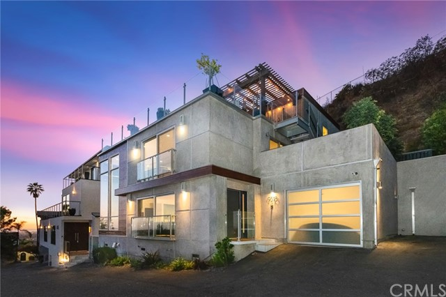 Photo of 9318 Warbler Way, Hollywood Hills, CA 90069