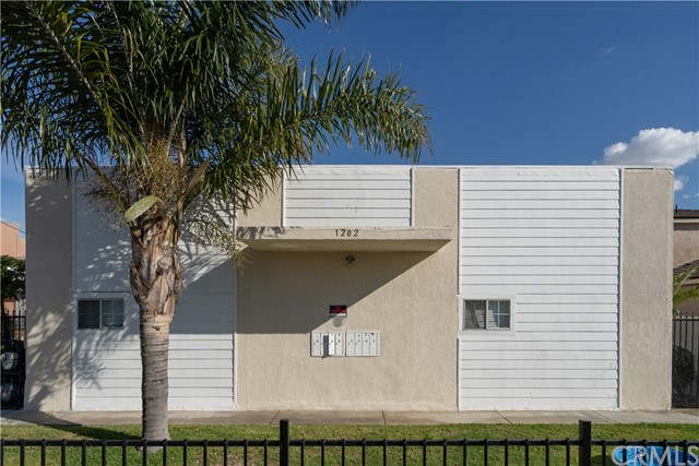 1202 Mahanna Avenue, Long Beach, CA 90813