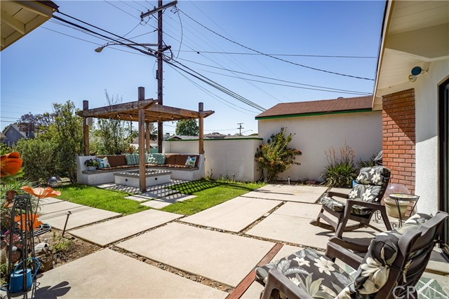 3011 Johnston Avenue, Redondo Beach, California 90278, 2 Bedrooms Bedrooms, ,3 BathroomsBathrooms,For Sale,Johnston,SB19126710