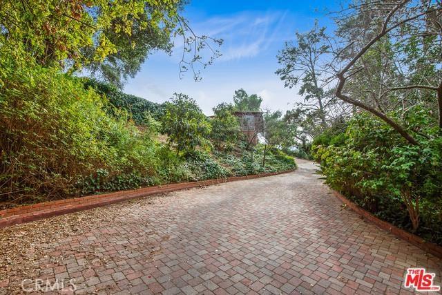 2350 Bowmont Drive, Beverly Hills, CA 90210