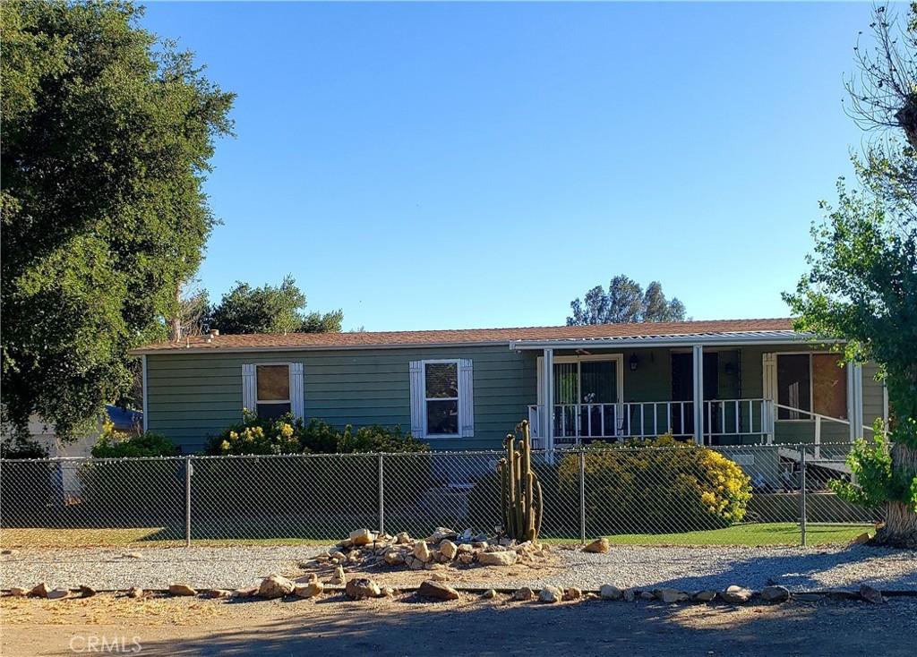 24717     5th Street, Murrieta CA 92562