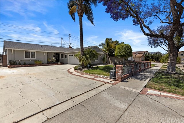 19. 419 S Hastings Avenue Fullerton, CA 92833