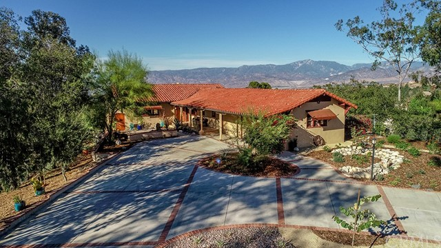 115 E Sunset Drive S, Redlands, CA 92373