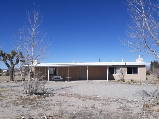 8936 Fairlane Rd, Lucerne Valley, CA 92356 Photo