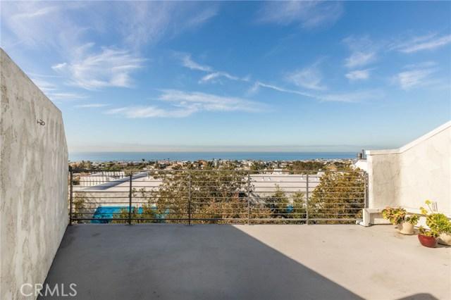 736 Gould Avenue 24, Hermosa Beach, California 90254, 3 Bedrooms Bedrooms, ,3 BathroomsBathrooms,For Sale,Gould,SB20120208