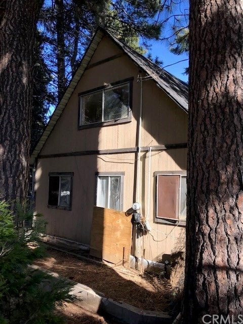 26716 State Hwy 189, Twin Peaks, CA 92391