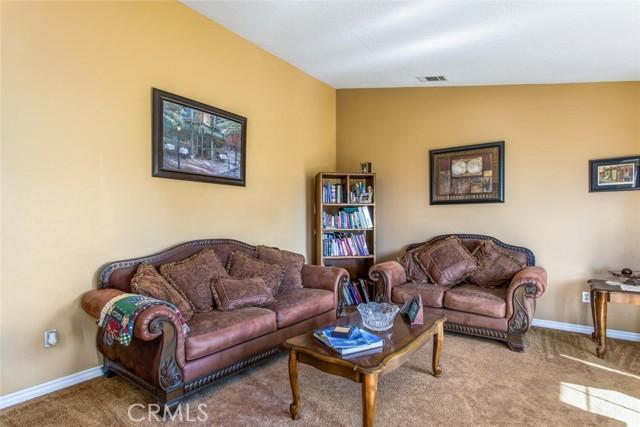 9883 Bellflower St, Oak Hills, CA 92344 Photo 7
