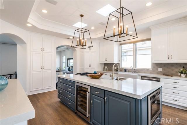 200 Dianthus Street, Manhattan Beach, California 90266, 5 Bedrooms Bedrooms, ,4 BathroomsBathrooms,For Sale,Dianthus,SB18065216