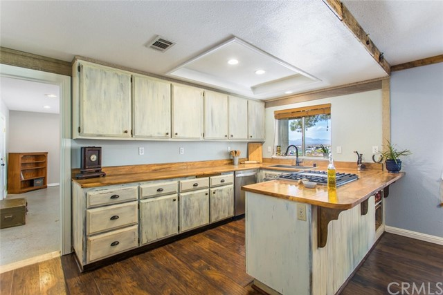 12. 26588 Lakeview Drive Helendale, CA 92342