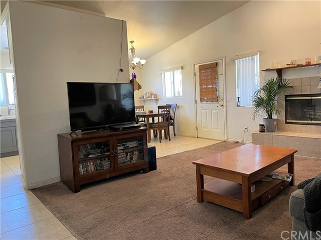 17. 6958 Mohawk Trail Yucca Valley, CA 92284