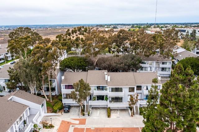 29. 18 Robon Court Newport Beach, CA 92663