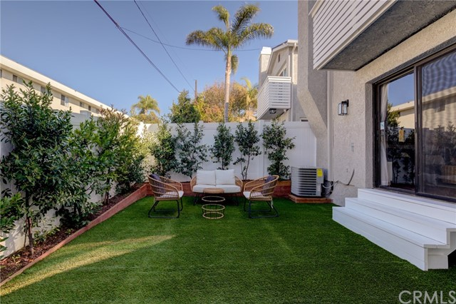 1902 Graham Avenue B, Redondo Beach, California 90278, 3 Bedrooms Bedrooms, ,3 BathroomsBathrooms,For Sale,Graham,SB21031850