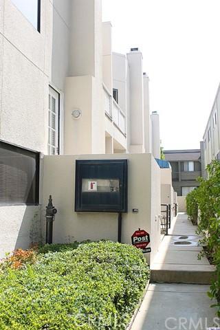 278 S Oak Knoll Av, Pasadena, CA 91101 Photo 15