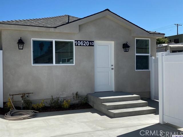 10620 Woodward Ave, Sunland, CA 91040