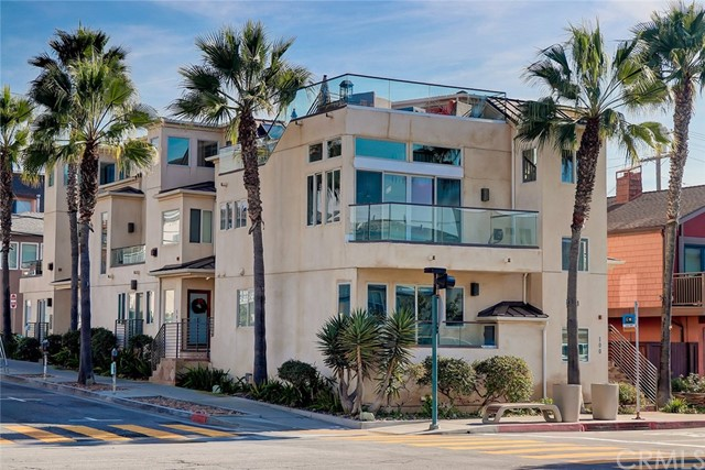 100 8th Street, Hermosa Beach, California 90254, 3 Bedrooms Bedrooms, ,2 BathroomsBathrooms,For Sale,8th,SB20035942