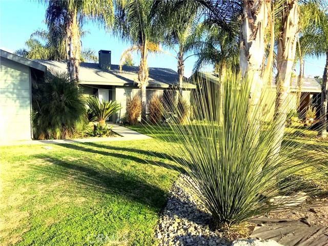 1636 N Oak Park St, Visalia, CA 93291 Photo 1