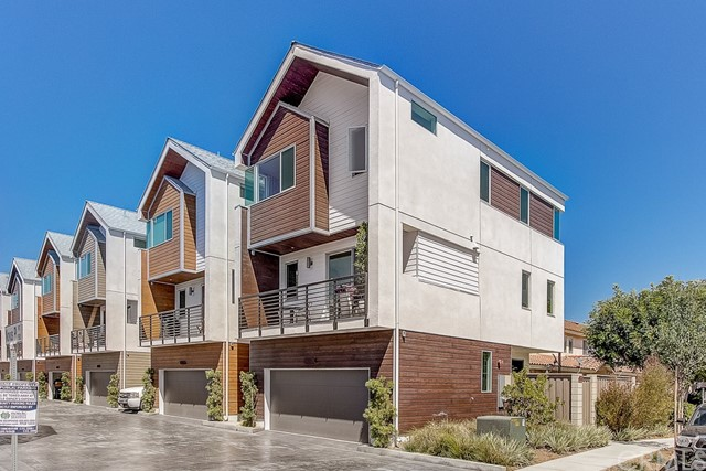 1960 Novus, Costa Mesa, CA 92627