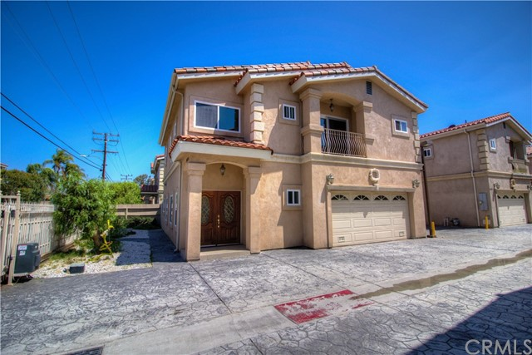 14022 Lemoli Avenue A, Hawthorne, CA 90250