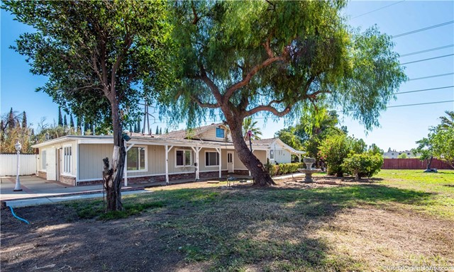13753 Gladstone Avenue, Sylmar, CA 91342