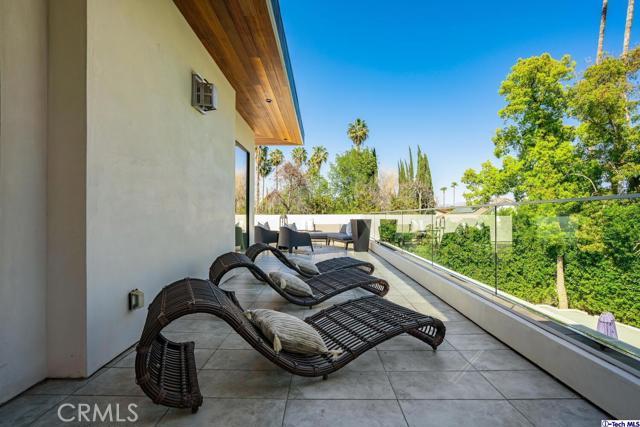 65. 4810 Woodley Avenue Encino, CA 91436