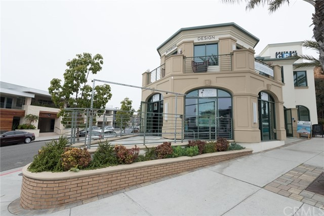 Square footage includes the front patio. Prime corner unit on Pier Ave in the downtown area.  Space is currently occupied as a photo gallery.  It can be used as an office, retail space, or coffee shop.