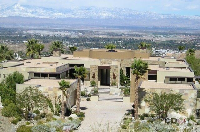 62 Hillcrest Drive, Rancho Mirage, CA 92270