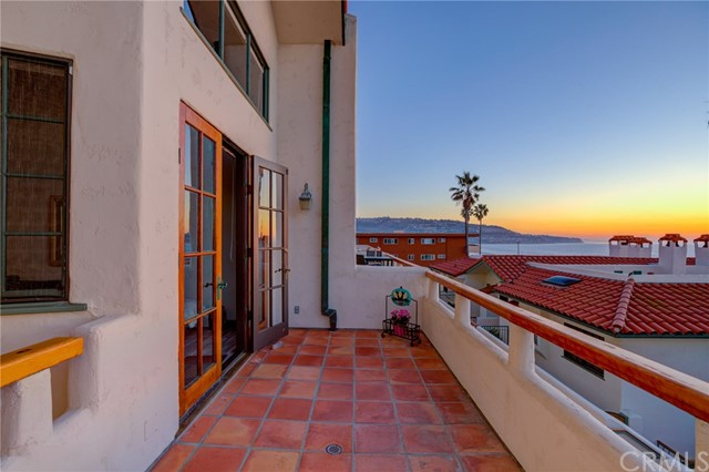 1110 Esplanade 8, Redondo Beach, California 90277, 3 Bedrooms Bedrooms, ,3 BathroomsBathrooms,For Sale,Esplanade,SB21006273