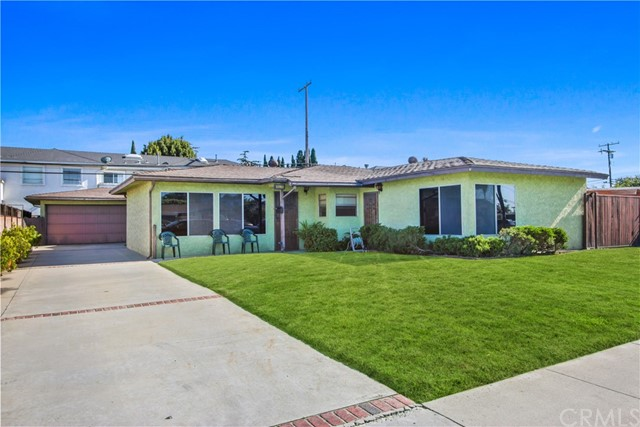 11902 206th Street, Lakewood, CA 90715