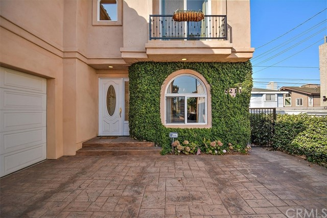 2213 Gates Avenue B, Redondo Beach, CA 90278